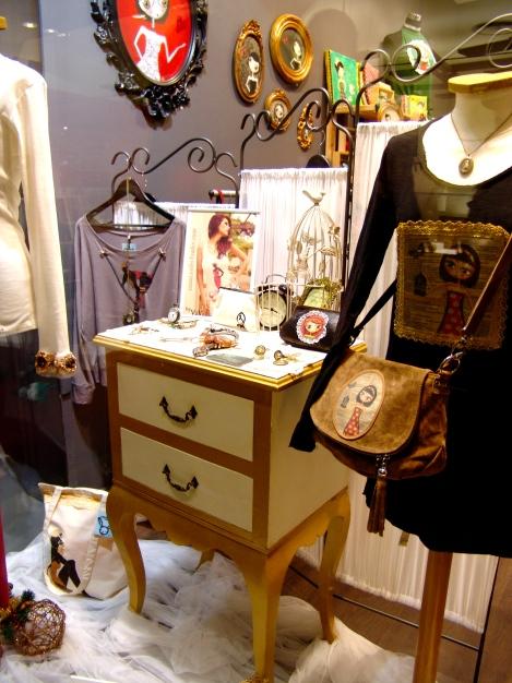 La moda con un toque vintage, hace de este espacio una tienda con encanto!!!