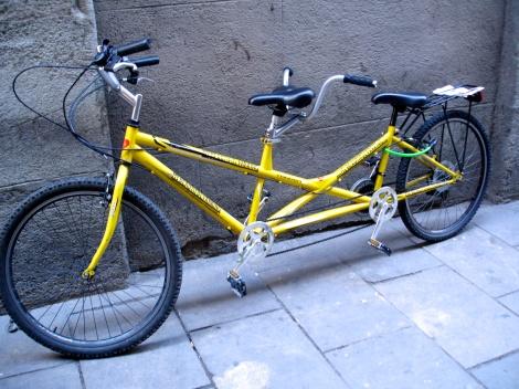 Las bicis, otro elemento común en el centro de Barcelona y que seguro no podremos resistirnos de poner en instagram!!!