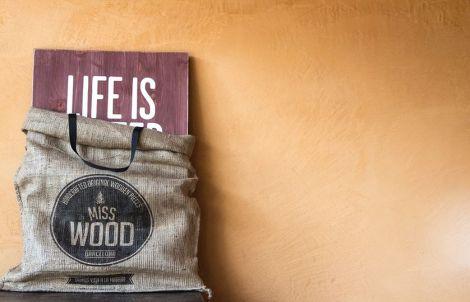 Todos los Woodies vienen con un mágnifico packaging que se convierte en bolsa…genial!!!