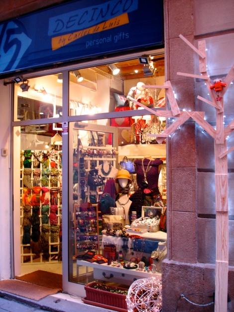 Una pequeña tienda en donde los complementos y la originalidad, se mezclan obteniendo un resultado 10