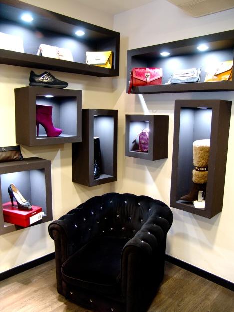espacios llenos de exclusividad, para probarse los modelos… aldo que diferencia a esta fashion shop!!!